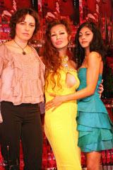 (左から)エリーザ・ボローニャ監督、叶恭子、マリア・コッキャレッラ・アリスメンディ