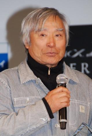 プロスキーヤーの三浦雄一郎=『ジーンズフィフティ大賞』の表彰式