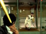 『BOSS 贅沢微糖−いいとこドリップ−』新CMで投球する桑田氏