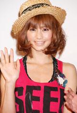 アニメーション「キャラディのジョークな毎日」記者会見に登場した安田美沙子