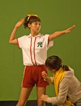 真剣な表情で『OCN』新CMの撮影に取り組む相武紗季