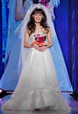 ウェディングドレス姿を初披露した椿姫彩菜
