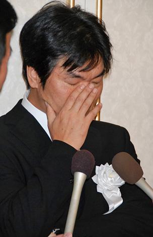涙を流しながら飯島さんとの思い出を語る島田紳助