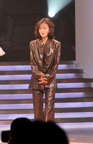 『第23回 ゴールドディスク大賞』授賞式にプレゼンターとして登場した中森明菜