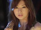 北川景子が50個ものアイスを口にして撮影された『パリッテ』新CM