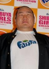『第3回 渋谷ガールズコレクション』でモデルデビューを果たした横綱・朝青龍