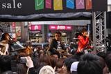 渋谷109前でイベントを行ったレミオロメン