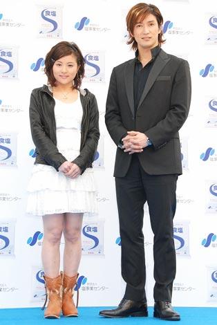 (財)塩事業センター『ホワイトデートークイベント』に登場した前田愛、西島千博