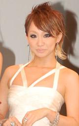映画「昴」の完成披露試写会で、スペシャルゲストとして登場した倖田來未