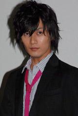 映画「恋極星」初日舞台あいさつを行った加藤和樹
