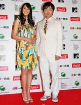 『MTV VIDEO MUSIC AWARDS JAPAN 2009』記者発表会に出席した浦浜アリサ、劇団ひとり