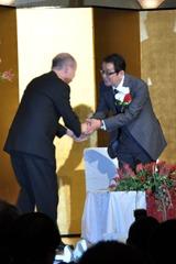 故郷に錦を飾る。富山県民栄誉賞・高岡市民栄誉賞の贈呈式に出席した滝田洋二郎監督