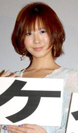映画『テケテケ』『テケテケ2』の舞台挨拶に登壇した岩田さゆり