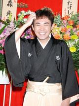 東京・上野鈴本演芸場で初高座を務めた二代目林家三平