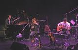 08年12月17日、東京キネマ倶楽部でのライブ(左から武部聡志、椎名慶治、永谷喬夫)
