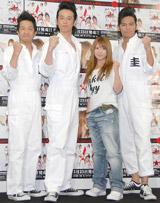 CD発売イベントを行った(左から)波田陽区、品川庄司・庄司智春、矢口真里、ますだおかだ ・岡田圭右
