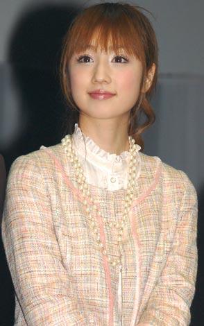 映画『レッドクリフ Part II』のイベントに出席した小倉優子