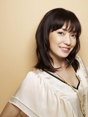 サムネイル 『春メイクの手本にしたい女性有名人』ランキング、1位に選ばれた菅野美穂