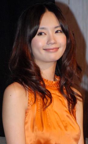 『呪怨』プロジェクト2009映画&Wiiソフト共同記者発表会に出席した中村ゆり