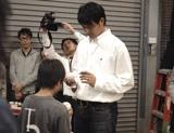 『すき家』の新CMに出演している岩隈久志投手の撮影風景
