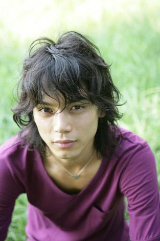 サムネイル 『美しい男性有名人』ランキング、1位に選ばれた水嶋ヒロ