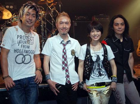 """(左より)小柳""""cherry""""昌法(ドラム)、平川達也(ギター)、渡瀬マキ(ボーカル)、川添智久(ベース) (C)ORICON DD inc."""