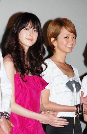 映画『腐女子彼女。』の公開初日舞台あいさつに登壇した(左から)松本若菜、EMI(C)ORICON DD inc.