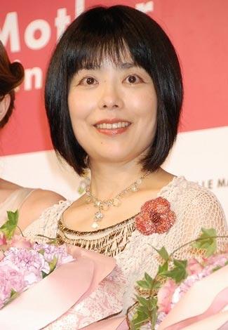 『第2回ベストマザー賞2009』の「学術部門」を受賞した俵万智 (C)ORICON DD inc.