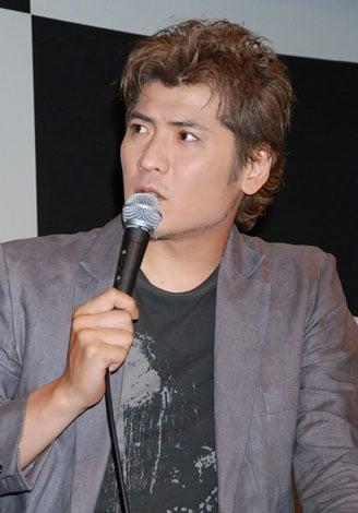 デビュー25周年記念シングルの発売記念イベントに登場した吉川晃司(C)ORICON DD inc.