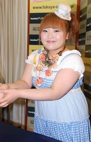 ヘアスタイルがかわいい柳原可奈子さん