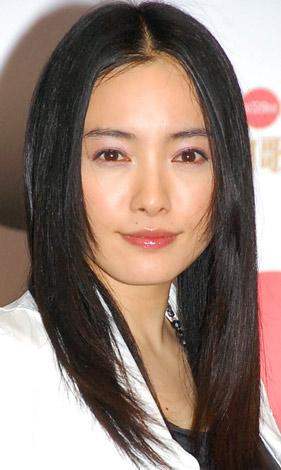サムネイル 『黒髪美人ランキング』、1位に選ばれた仲間由紀恵