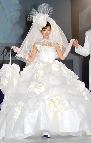 サムネイル ウエディングドレス姿を披露したほしのあき (C)ORICON DD inc.