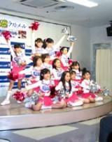さらに小さなアイドルたち「みにちあ☆ベアーズ」も応援に。(C)ORICON DD inc.