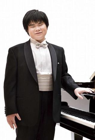 画像・写真   全盲のピアニスト・辻井伸行、日本人初の快挙でアルバム ...