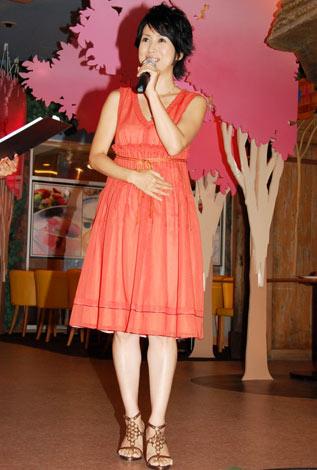 「自由が丘スイーツフォレスト」リニューアル記念スイーツパーティに登場した西村知美 (C)ORICON DD inc.