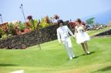 ハワイで結婚式をあげた庄司智春と藤本美貴 (C)吉本興業