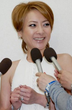 サムネイル 結婚報告会見を行った西川史子 (C)ORICON DD inc.