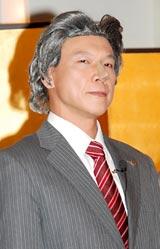『景氣回復祈願式』のイベントで小泉純一郎元首相に扮して登場した松下アキラ (C)ORICON DD inc.