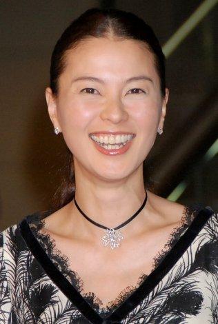 サムネイル 映画『ボルト』レッドカーペットに登場した、江角マキコ (C)ORICON DD inc.