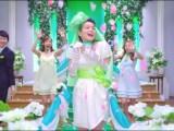 『スープはるさめ』(エースコック)の新CMでミニのウエディングドレス姿を披露する加藤ローサ