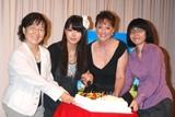 映画『アンを探して』完成披露試写会に出席した、(左から)ユリ・ヨシムラ、ガニオンプロデューサー、穂のか、ロザンナ、宮平貴子監督 (C)ORICON DD inc.