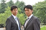 高橋克典(右)と高嶋政宏(左)
