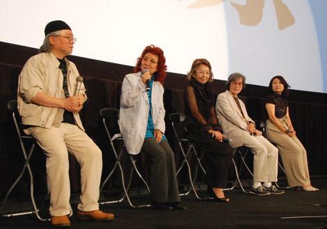 『銀河鉄道999映画祭』に出席した、(左から)松本零士、鉄郎役の野沢雅子、メーテル役の池田昌子、車掌役の肝付兼太、クレア役の麻上洋子 (C)ORICON DD inc.