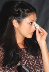 ブロードウェイミュージカル「RENT」来日公演 記者発表会に登場し、披露されたメンバーの歌唱に涙した山田優 (C)ORICON DD inc.