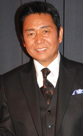 『ビアパーティー2009』前報道陣の取材に応じた、山本譲二 (C)ORICON DD inc.