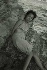 モノクロで妊婦ヌードも収録されている小栗香織写真集『USAGI』