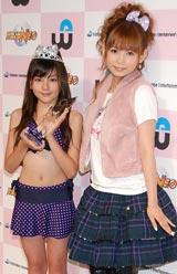 グランプリに輝いた12歳の高橋胡桃さん(左)、中川翔子 (C)ORICON DD inc.