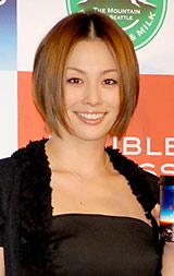 『Mt. RAINIER DOUBLE ESPRESSO』の発表会に出席した米倉涼子