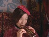 美味しそうにチョコを食べる広末涼子/『明治ミルクチョコレート』新CM