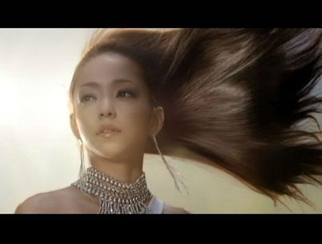 サムネイル ヴィダルサスーン新CMで美しい髪をなびかせる安室奈美恵